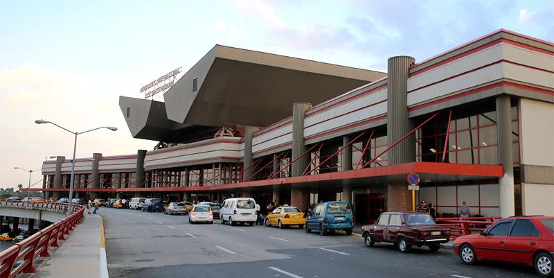 José Martí International Airport ist der einzige kubanische Flughafen, den US-amerikanische Fluglinien noch anfliegen dürfen | Bildquelle: https://pathfindersingh.com © n/a | Bilder sind in der Regel urheberrechtlich geschützt
